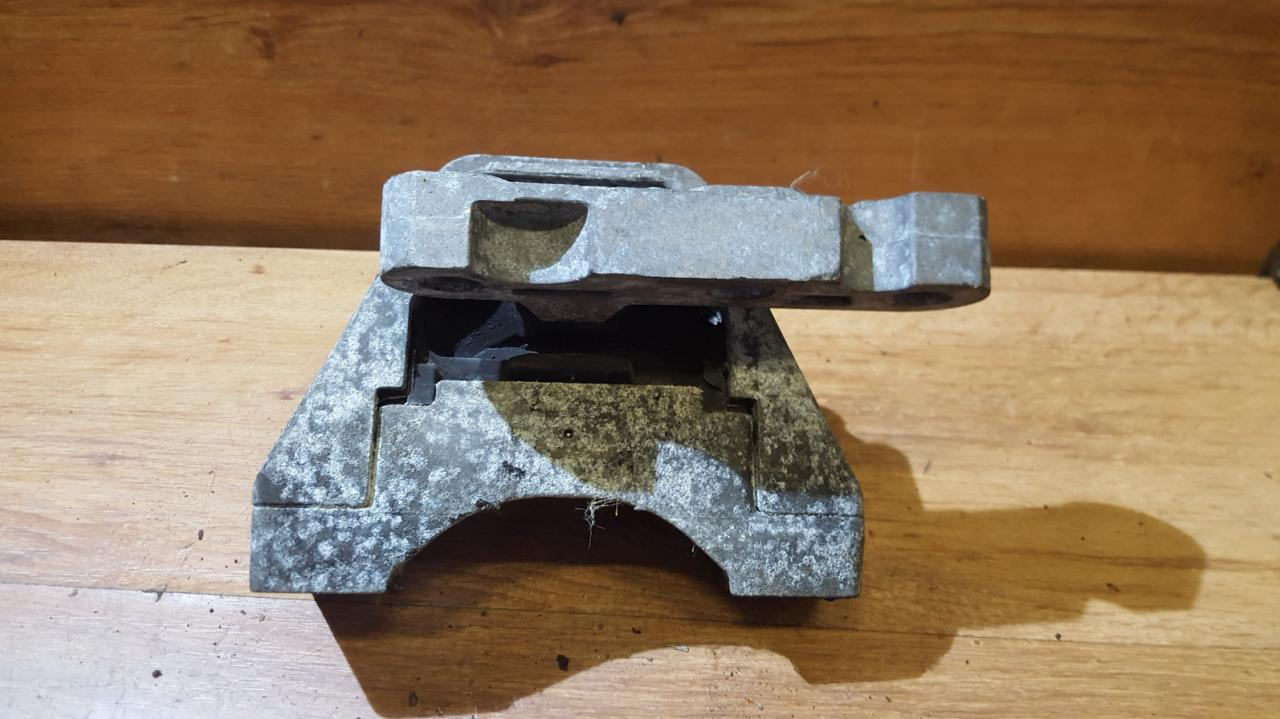 Engine Mounting and Transmission Mount (gearbox Mount) NENUSTATYTA  Opel VECTRA 2006 1.9