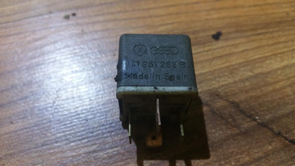 Rele 141951253b 4ra003510-29, 4ra00351029, 53 Volkswagen PASSAT 1997 1.8