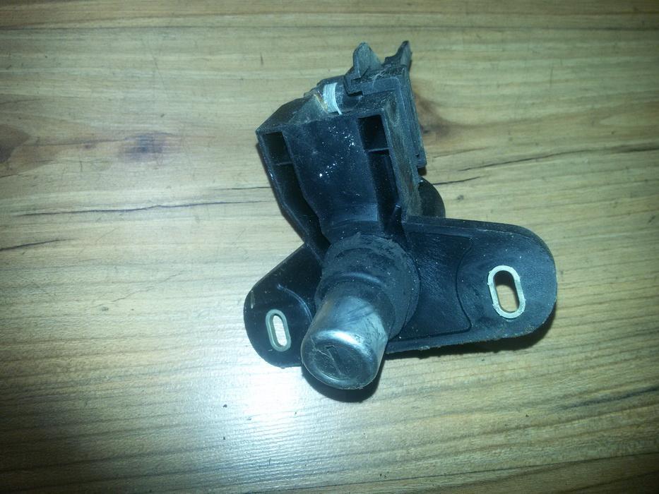Galinio Dangcio spynele G. (kapoto) NENUSTATYTA nenustatyta Opel ASTRA 2002 2.0