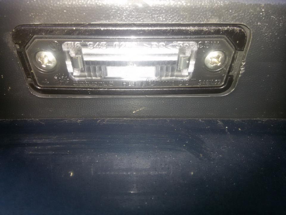 Numerio apsvietimas 1j6943021b nenustatyta Volkswagen POLO 2003 1.2
