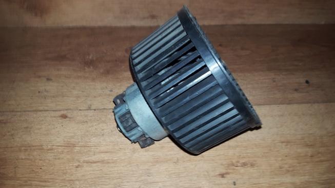 Salono ventiliatorius 659053m n/a Peugeot 406 1997 2.0