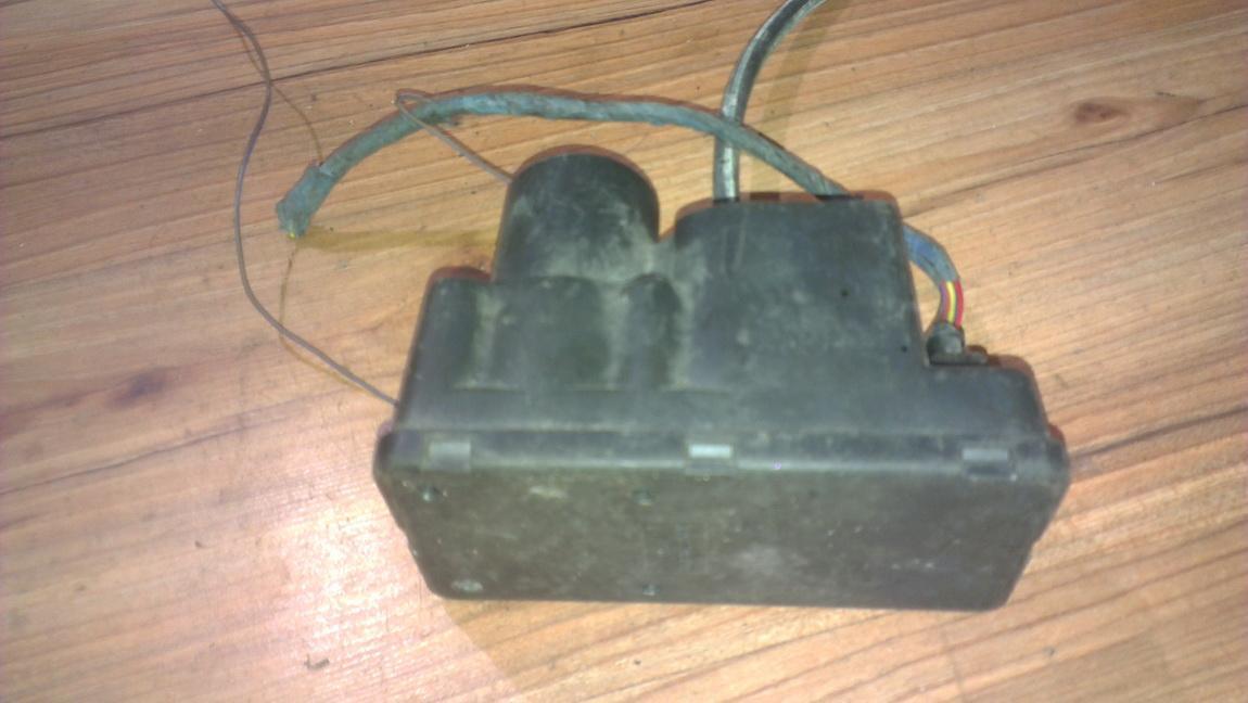 Centrine vakuumo valdymo pompa 443862257E NENUSTATYTA Audi 100 1987 2.0