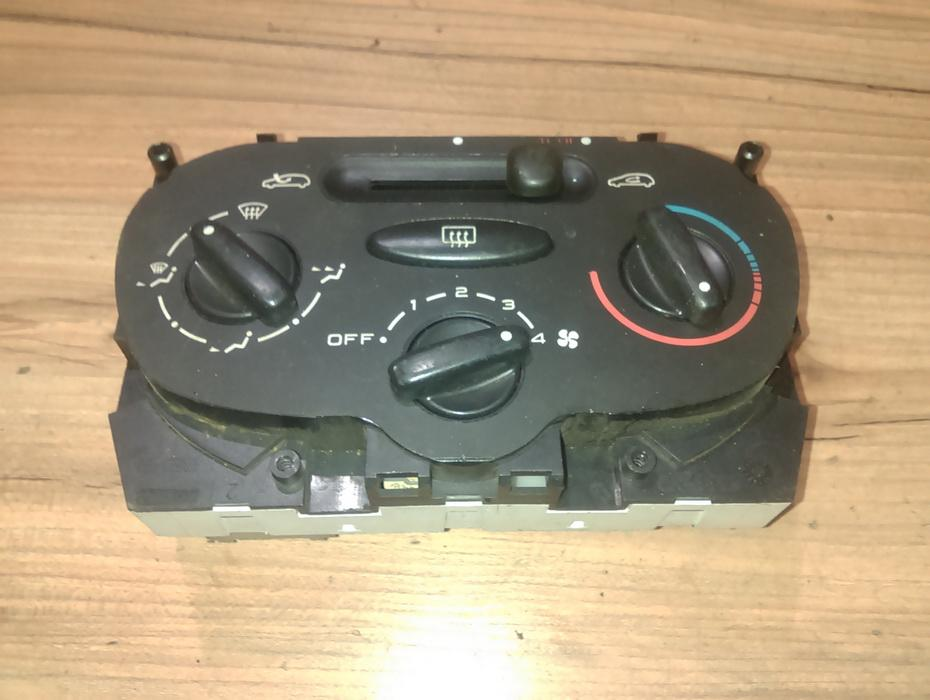 Climate Control Panel (heater control switches) 1068901 nenustatyta Peugeot 206 1998 1.4