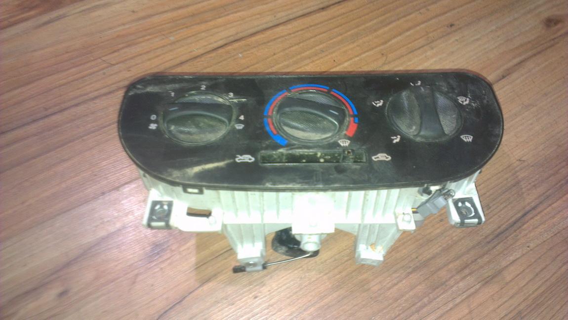 Peciuko valdymas NENUSTATYTA nenustatyta Fiat DOBLO 2002 1.9
