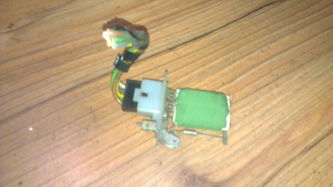 Heater Resistor (Heater Blower Motor Resistor) NENUSTATYTA nenustatyta Opel TIGRA 1995 1.6