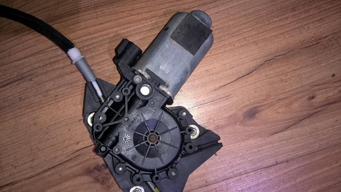 Duru lango pakelejo varikliukas P.K. 400396a NENUSTATYTA Alfa-Romeo 156 1998 2.4