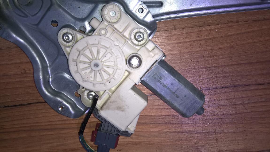Моторчик стеклоподъемника - задний правый 6983005100 69830-05100, 994028 Toyota AVENSIS 2001 2.0