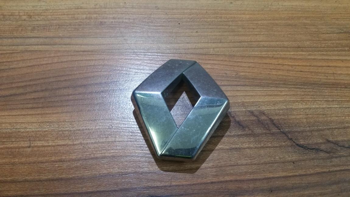 Galinis zenkliukas (Emblema) 824625 n/a Renault LAGUNA 1998 2.0