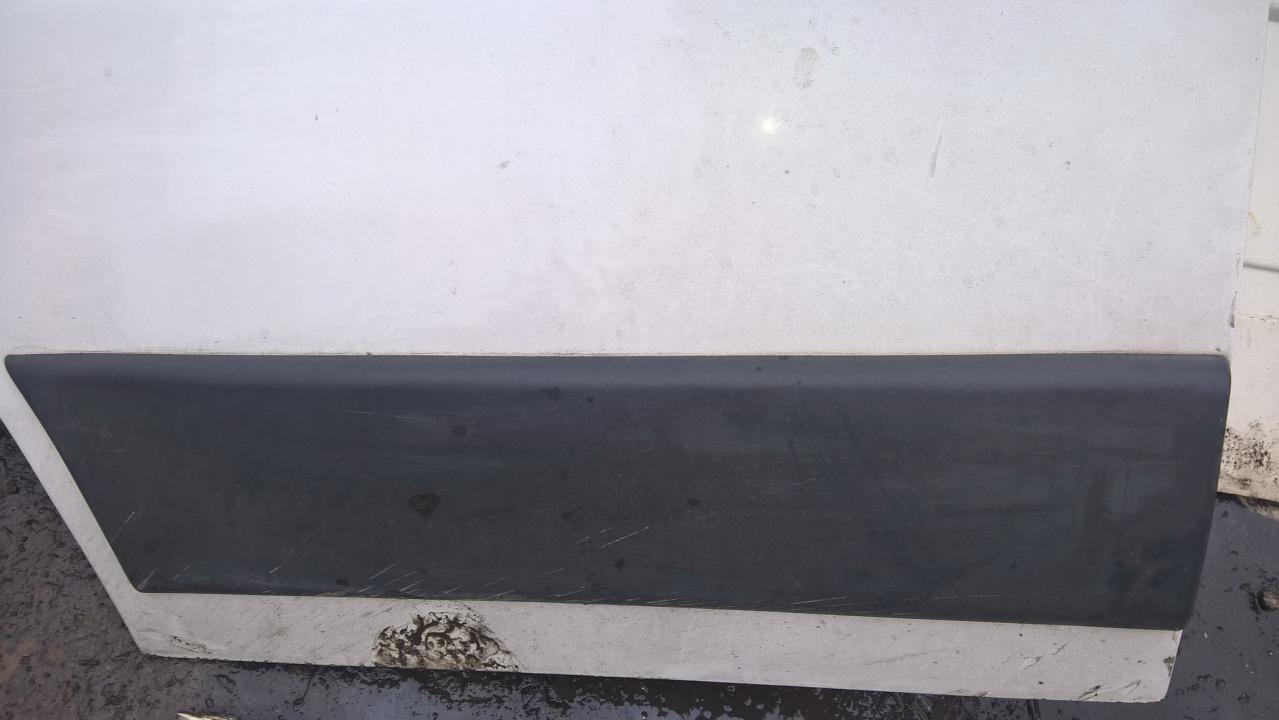Duru moldingas isorinis P.K. NENUSTATYTA NENUSTATYTA Fiat DUCATO 1999 2.8