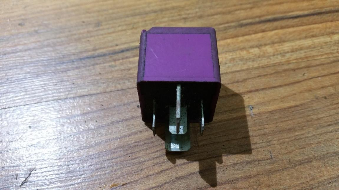Relay module gm90459642 v23136j4x10, v23136-j4-x10, 474 Opel OMEGA 1996 2.0
