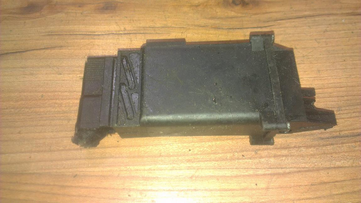 Window Motor Control unit Volkswagen Passat 1996    1.8 3a0959875