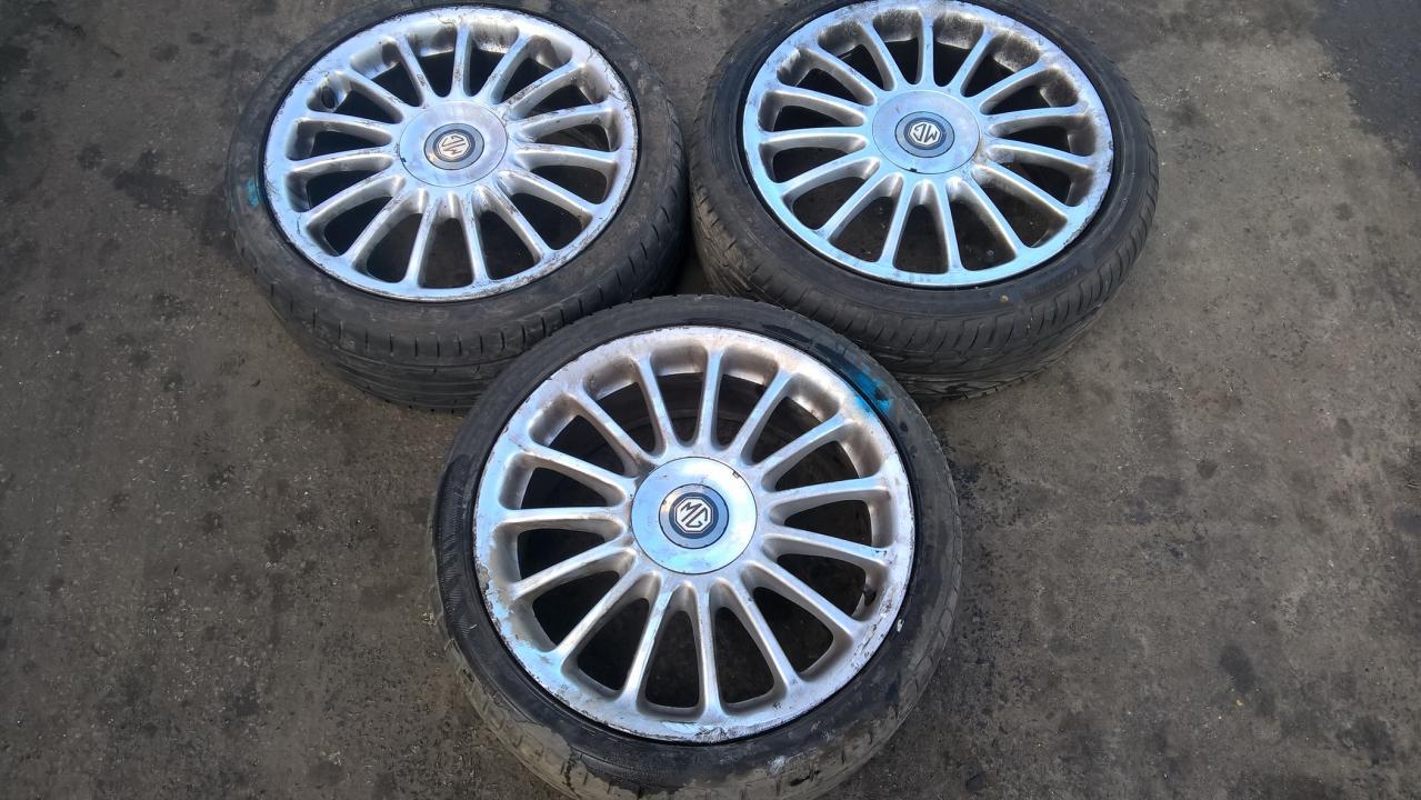 Ratlankis - Padangos R18 Rover 75 2003    1.8