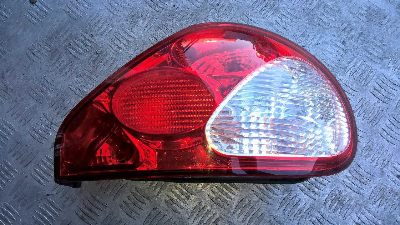 Galinis Zibintas G.D. NENUSTATYTA NENUSTATYTA Jaguar X-TYPE 2004 2.5