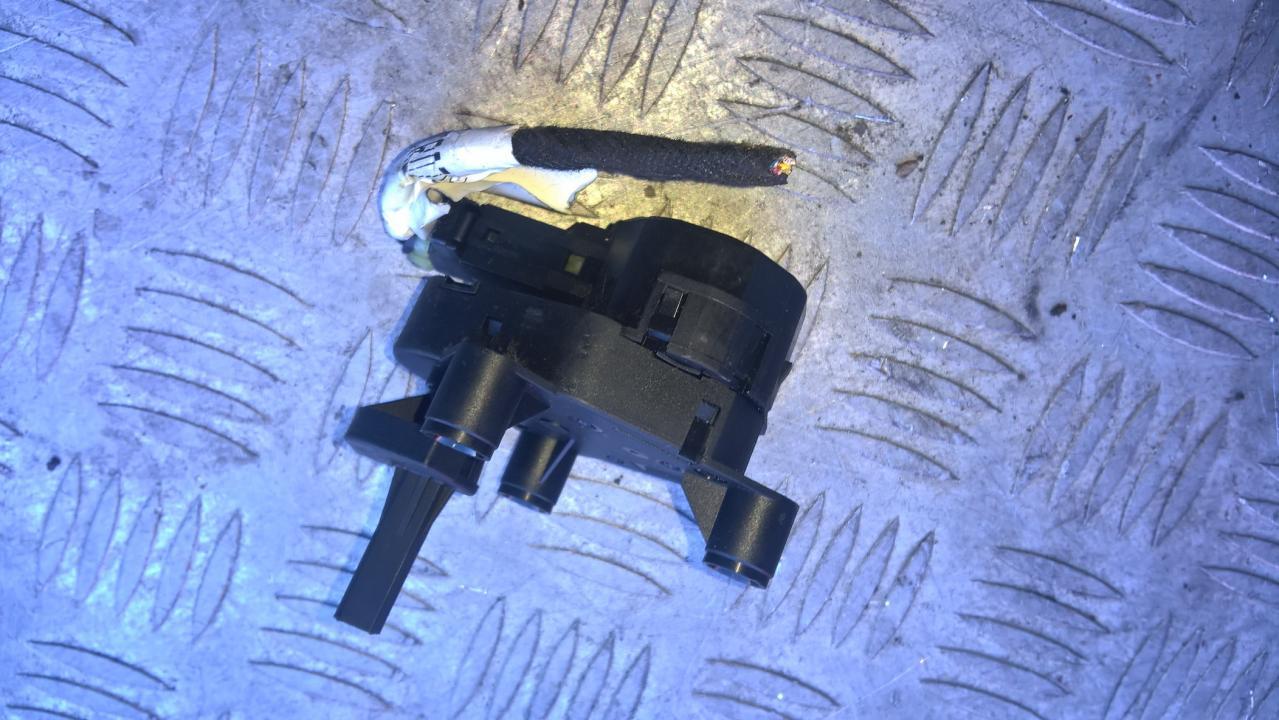 Peciuko sklendes varikliukas YM2H19E616SA YM2H-19E616-SA, 7M3907511 Ford GALAXY 2004 2.8