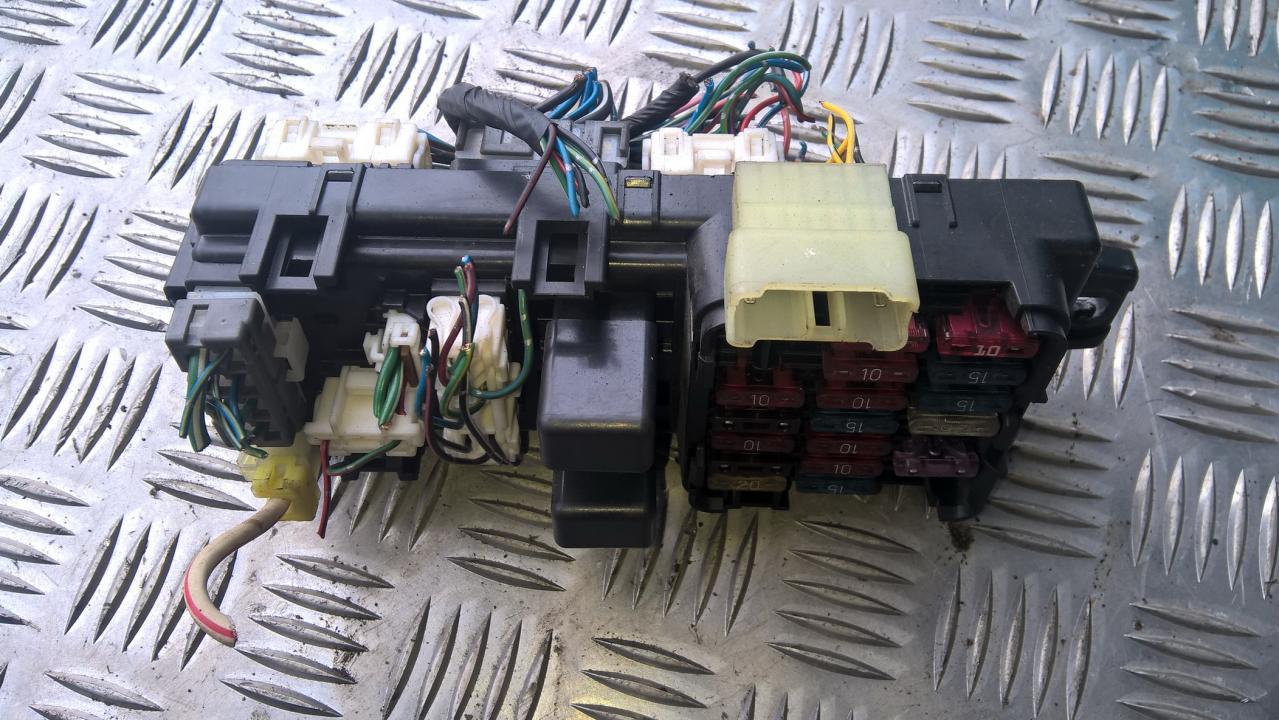 3D194498 Fuse box Mitsubishi Pajero 1993 3.0L 20EUR EIS00098256