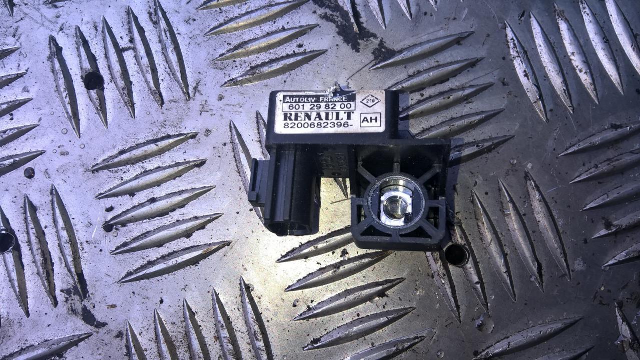 Srs Airbag daviklis 8200682396AH 8200682396-AH, 601298200 Renault MEGANE 2003 1.6