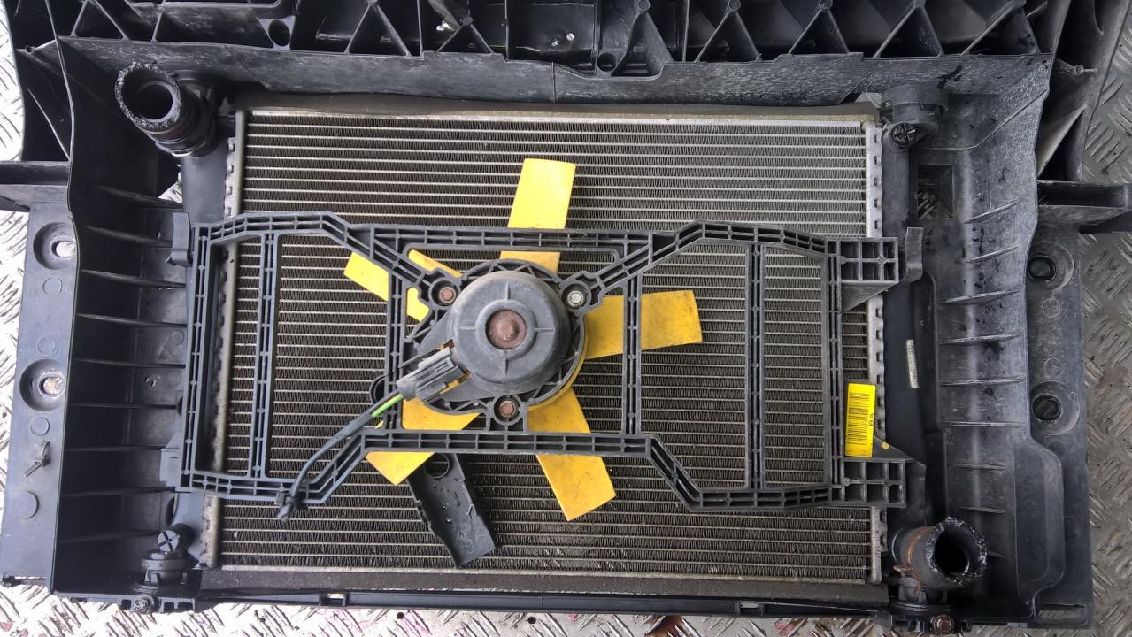 Difuzorius (radiatoriaus ventiliatorius) NENUSTATYTA nenustatyta Ford FIESTA 1986 1.6