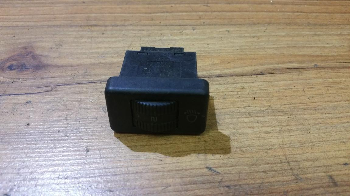 Zibintu aukscio reguliatoriaus mygtukas 357941333 n/a Volkswagen PASSAT 2002 1.9