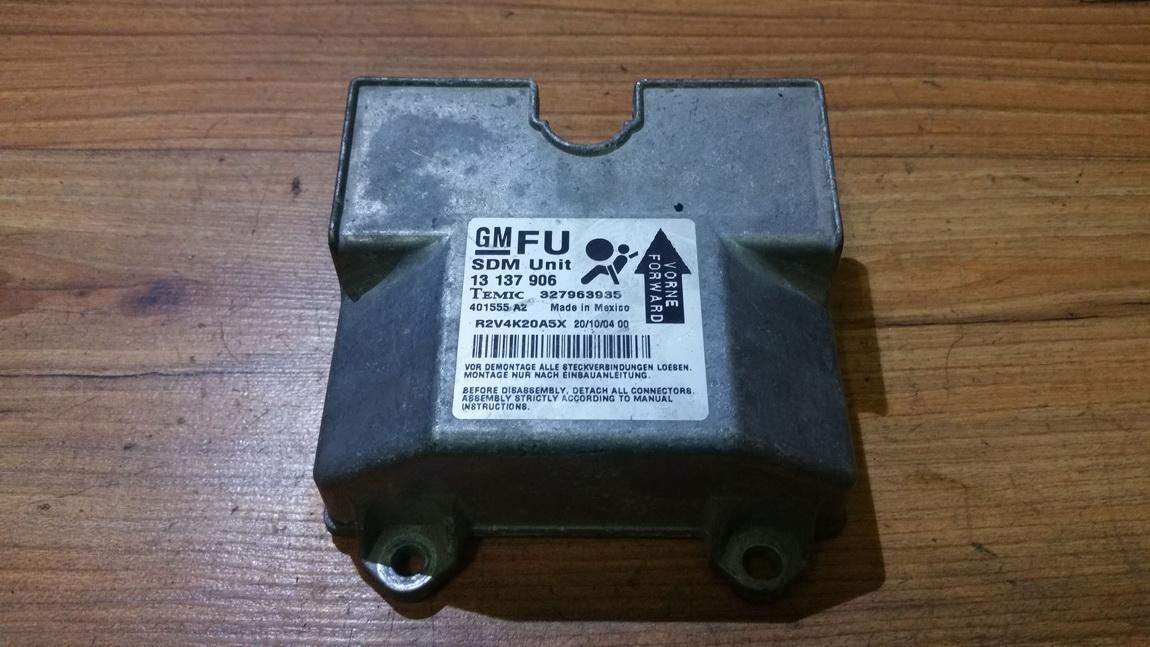 Airbag crash sensors module 13137906 327963935, 401555, R2V4K20A5X Opel ASTRA 1998 2.0