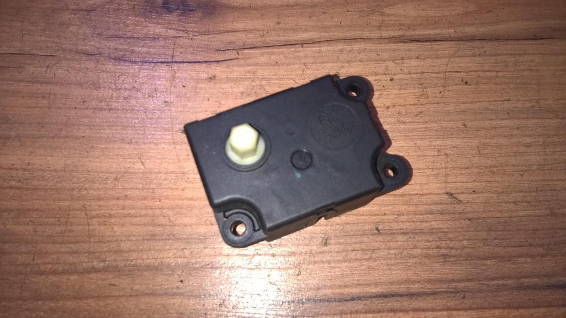 Peciuko sklendes varikliukas NENUSTATYTA NENUSTATYTA Citroen XSARA PICASSO 2003 1.8