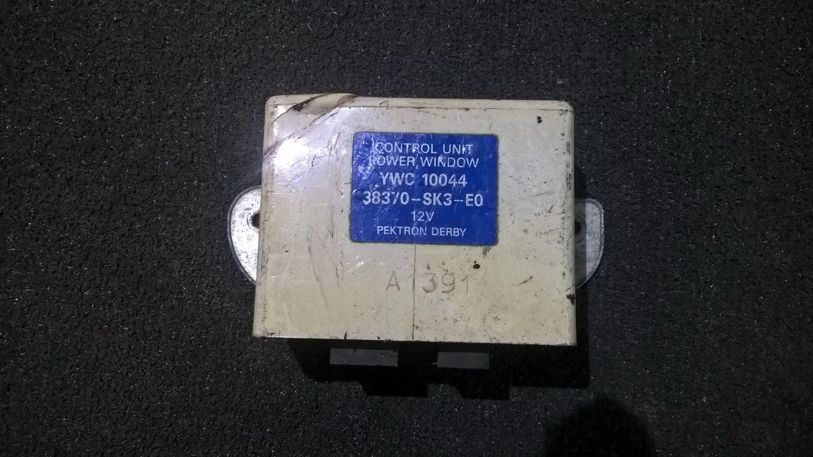 Electric window control unit Rover 200-Series 1999    1.8 ywc10044
