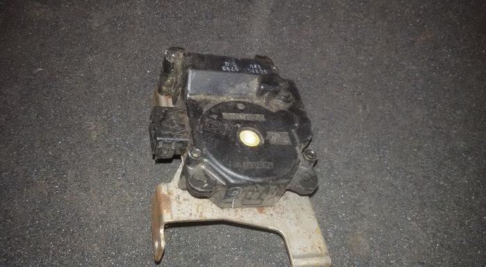 Peciuko sklendes varikliukas 0637006780 063700-6780 Honda ACCORD 2000 2.0