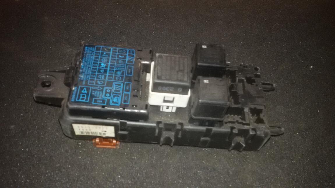 Блок предохранителей mb953355 nenustatyta Mitsubishi CARISMA 1996 1.6