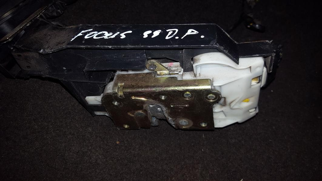 Замок двери - передний правый xs41a21812de dl Ford FOCUS 2006 2.0