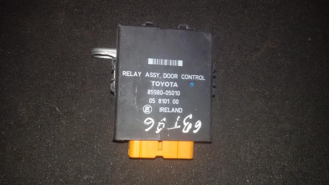 Door control relay Toyota Carina 1996    1.8 8598005010