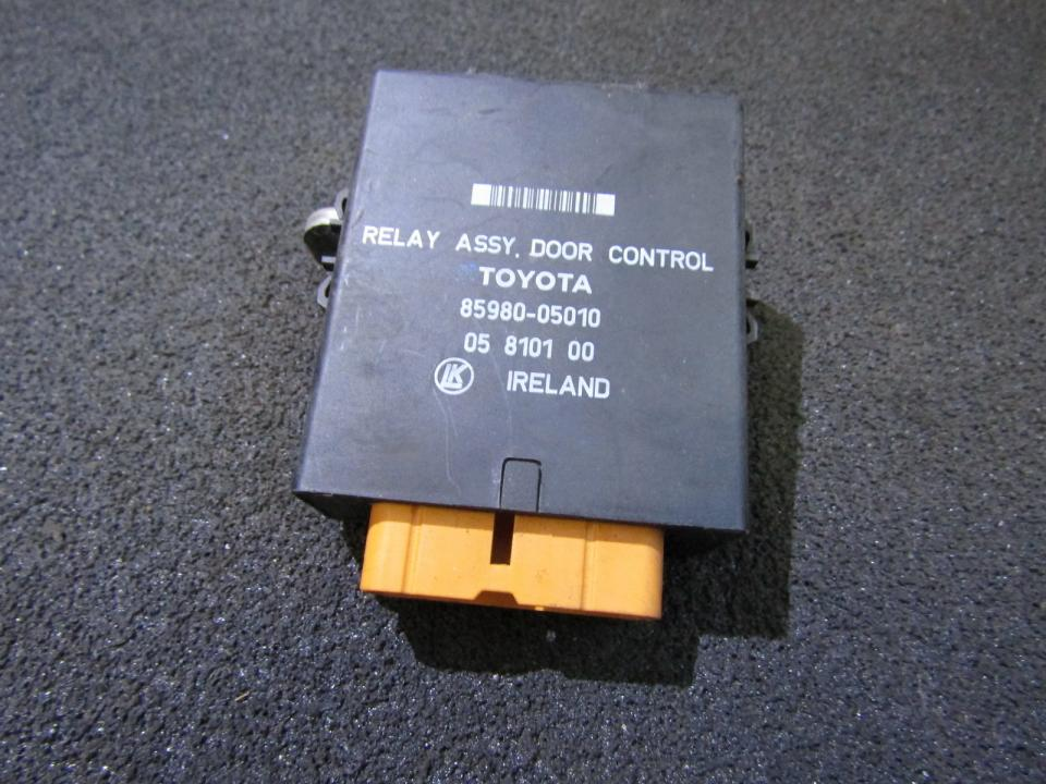 Door control relay Toyota Carina 1994    1.6 8598005010