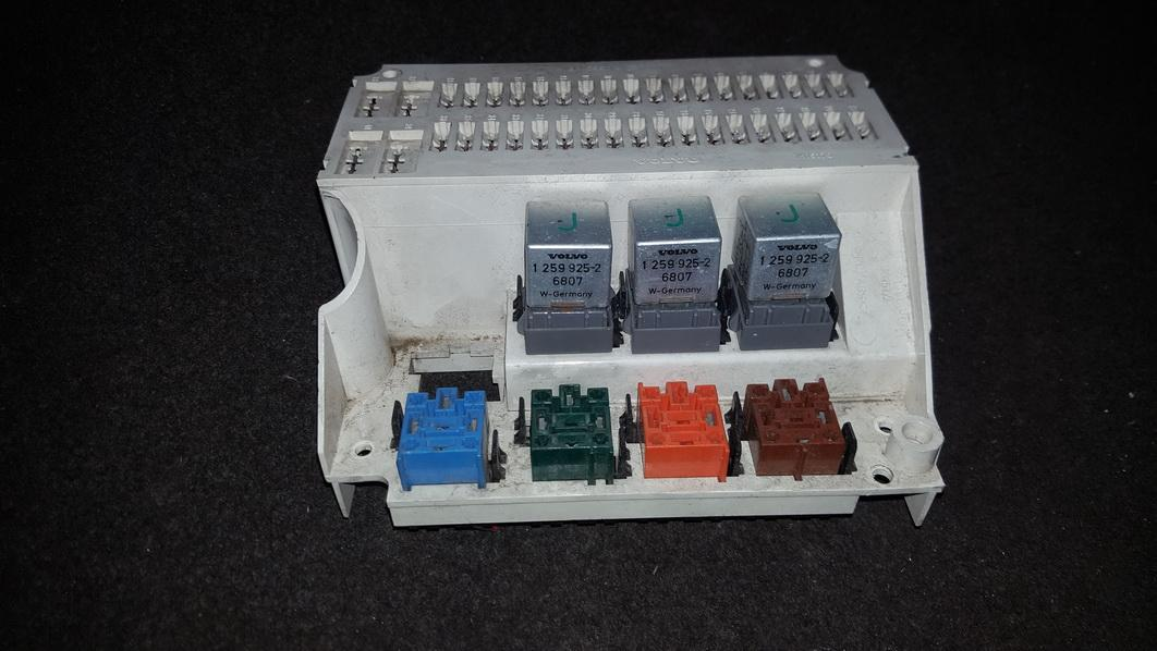 00112212_2079157680 used and working 'fuse box ' part filter volvo 850 used parts Lincoln Continental Fuse Box at readyjetset.co
