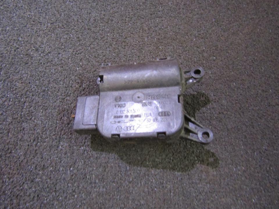 Peciuko sklendes varikliukas 0132801320 52495223 Volkswagen TOUAREG 2008 3.6