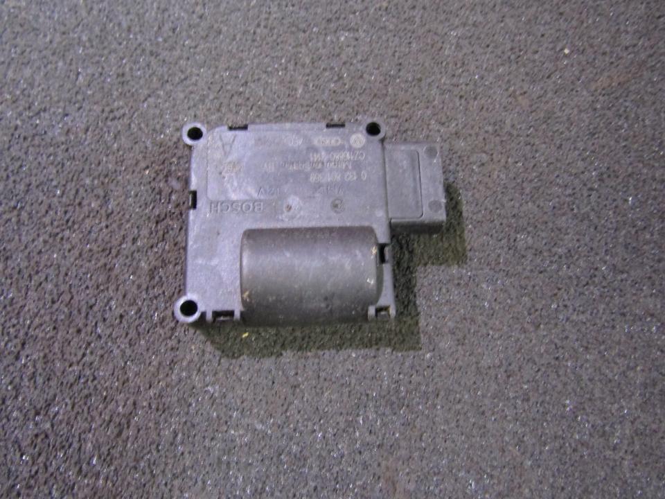 Audi  A6 Peciuko sklendes varikliukas