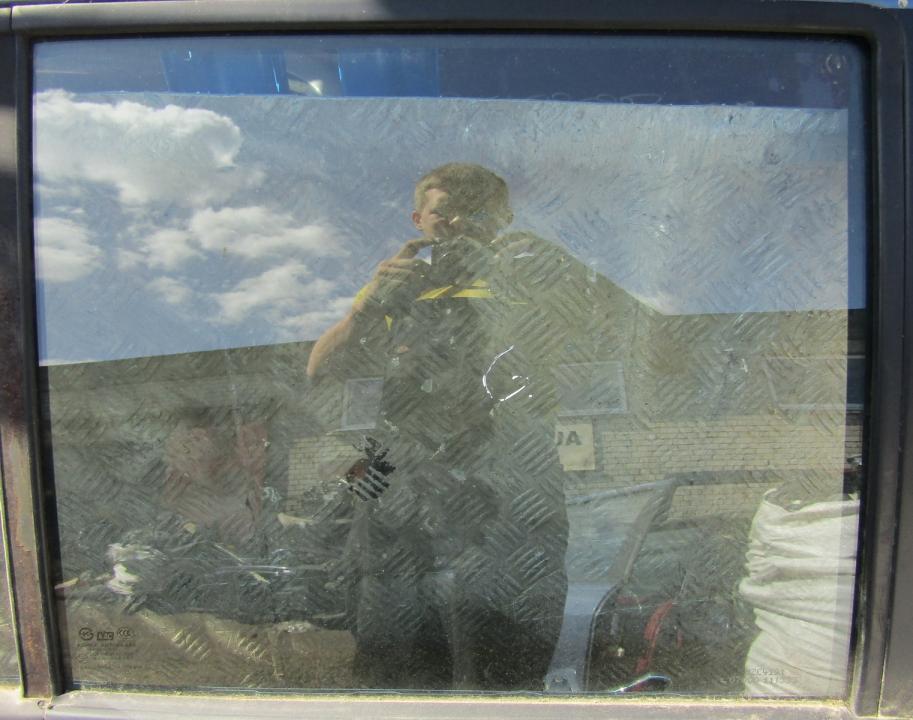 Hyundai  Santa Fe Door-Drop Glass rear right