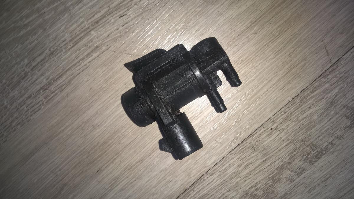 Клапан (Электромагнитный (соленоидный) клапан) e8ae9h465ba e8ae-9h465-ba Ford FOCUS 2004 1.8