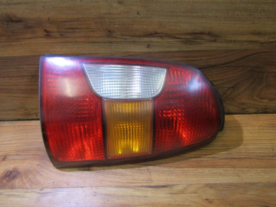 Galinis Zibintas G.D. NENUSTATYTA nenustatyta Hyundai TRAJET 2002 2.0