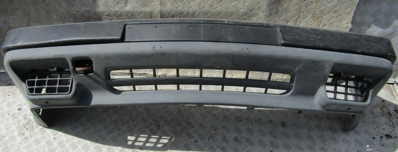 Bamperis P. NENUSTATYTA nenustatyta Volvo 440 1994 2.0