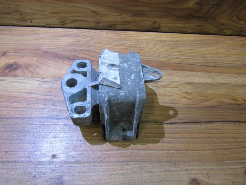 Variklio pagalves bei Greiciu dezes pagalves nenustatytas nenustatytas Ford GALAXY 2004 2.8