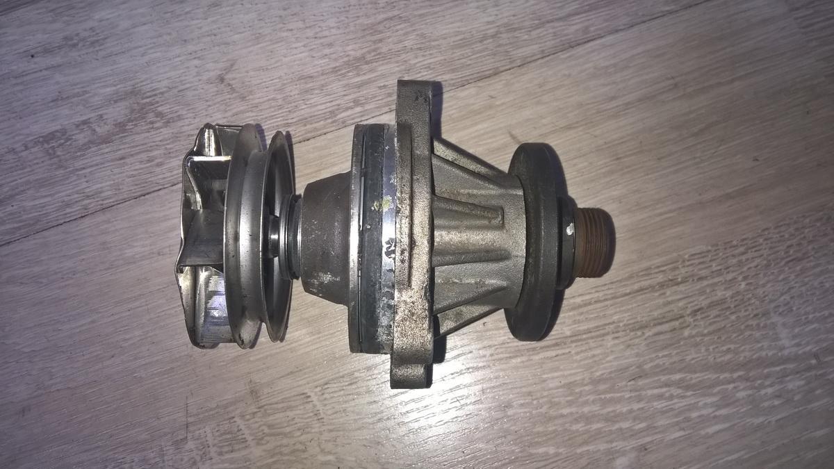 Vandens pompa (siurblys) NENUSTATYTA nenustatyta BMW 5-SERIES 1997 2.5