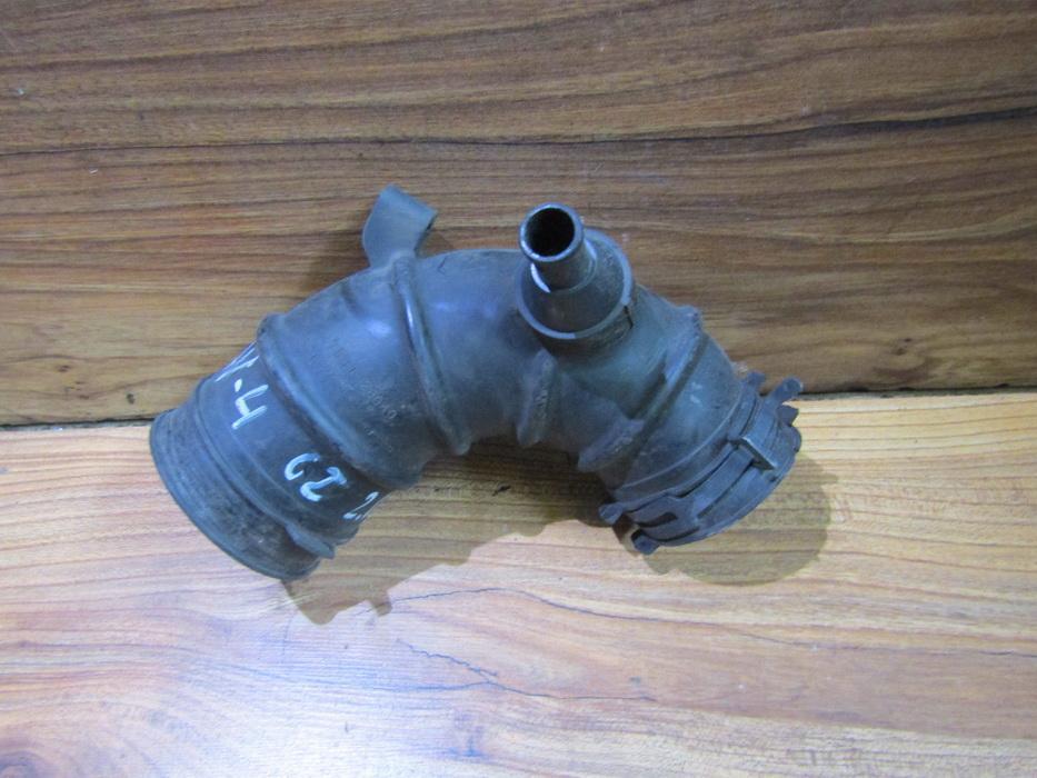 Oro slanga 1788128040 nenustatyta Toyota RAV-4 2003 2.0