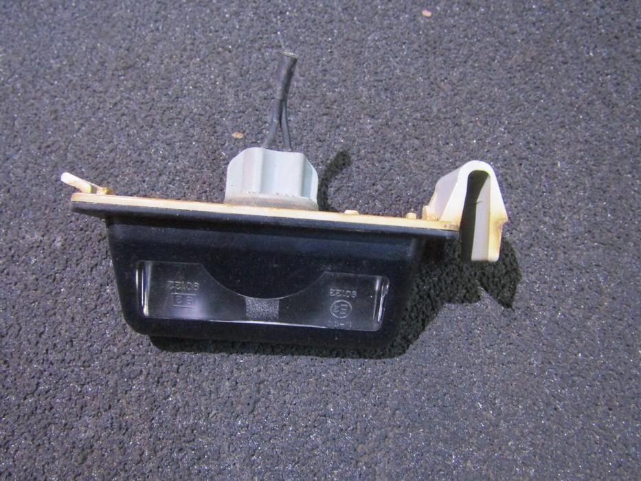 Numerio apsvietimas 8245 NENUSTATYTA Mazda 323 1995 1.5