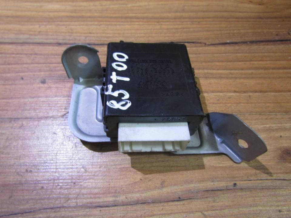 Door control relay Toyota Avensis 2001    1.8 8597020010