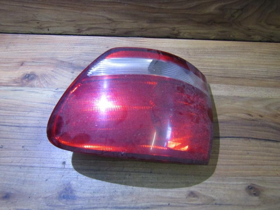 Galinis Zibintas G.D. nenustatytas nenustatytas Toyota AVENSIS VERSO 2001 2.0