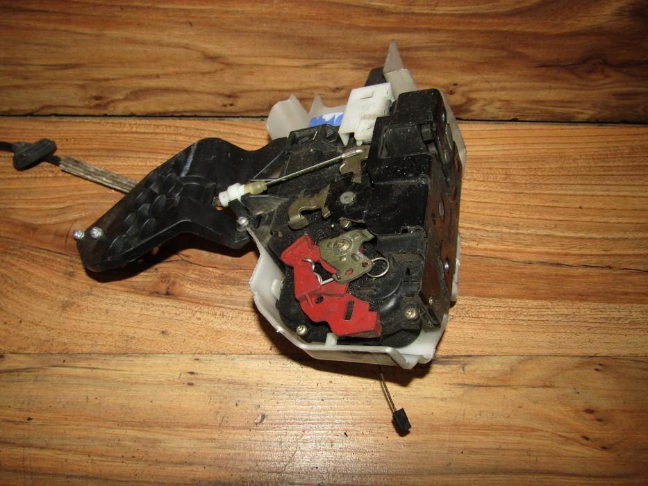 Duru spyna P.K. nenustatyta nenustatyta Volkswagen TOUAREG 2003 2.5