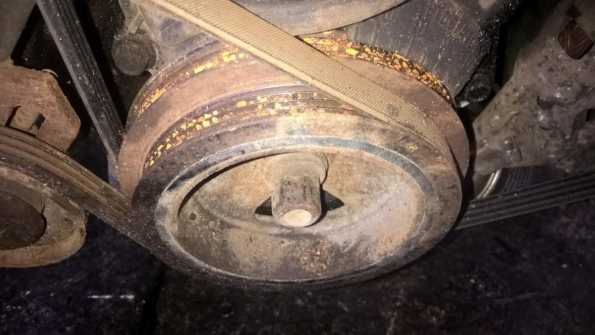 Alkuninio veleno dantratis (skyvas - skriemulys) NENUSTATYTA nenustatyta Hyundai ACCENT 1996 1.3