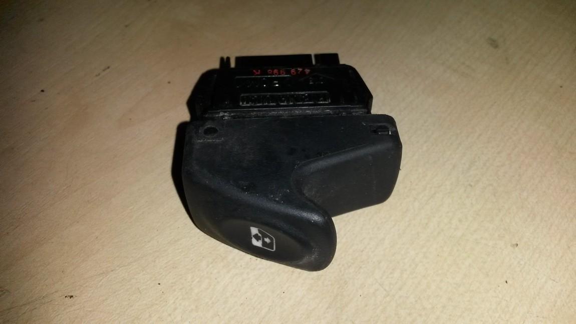 Stiklo valdymo mygtukas (lango pakeliko mygtukai) NENUSTATYTA NENUSTATYTA Renault CLIO 1995 1.8