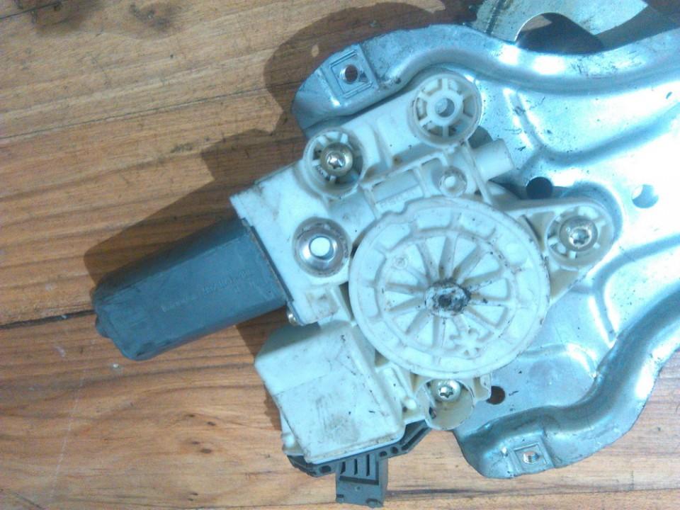 Duru lango pakelejo varikliukas P.D. 999060101 101030213 Toyota AVENSIS 1998 1.8