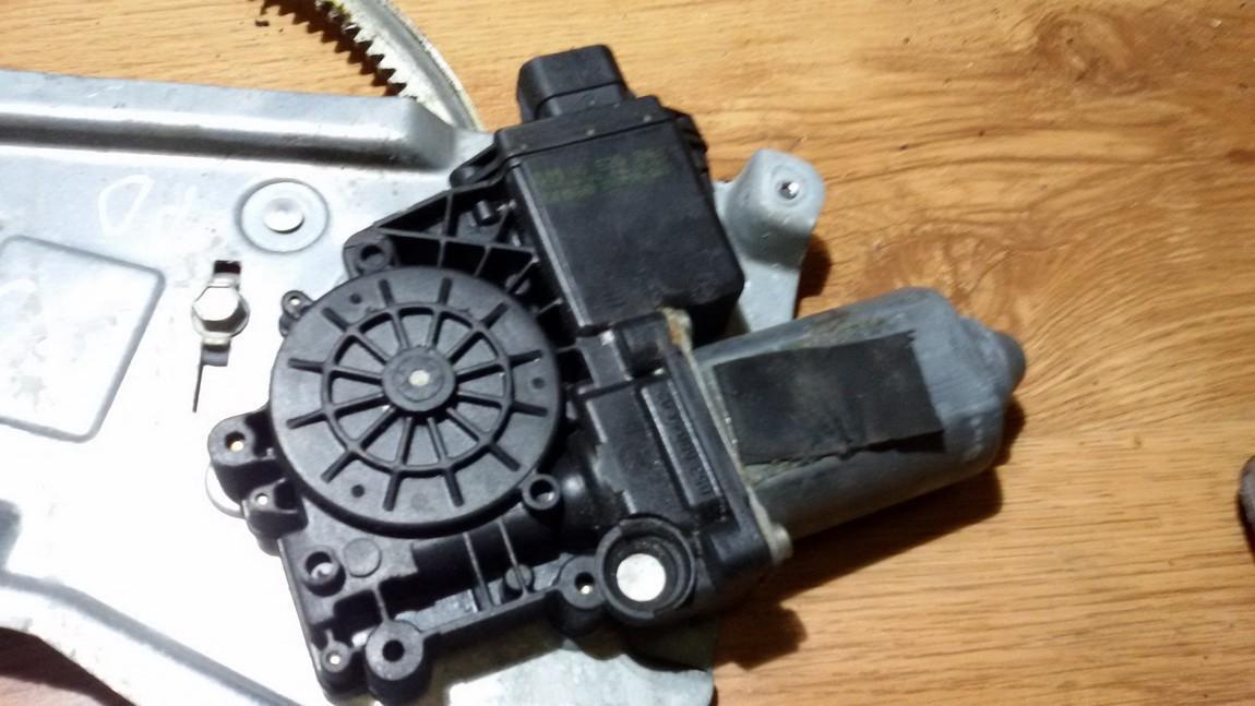 Duru lango pakelejo varikliukas P.D. NENUSTATYTA nenustatyta Opel OMEGA 1997 2.5