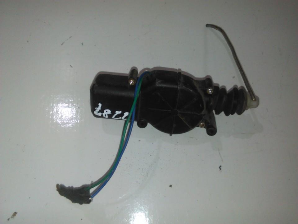Centrinio duru uzrakto varikliukas nenustatytas nenustatytas Opel TIGRA 1999 1.6