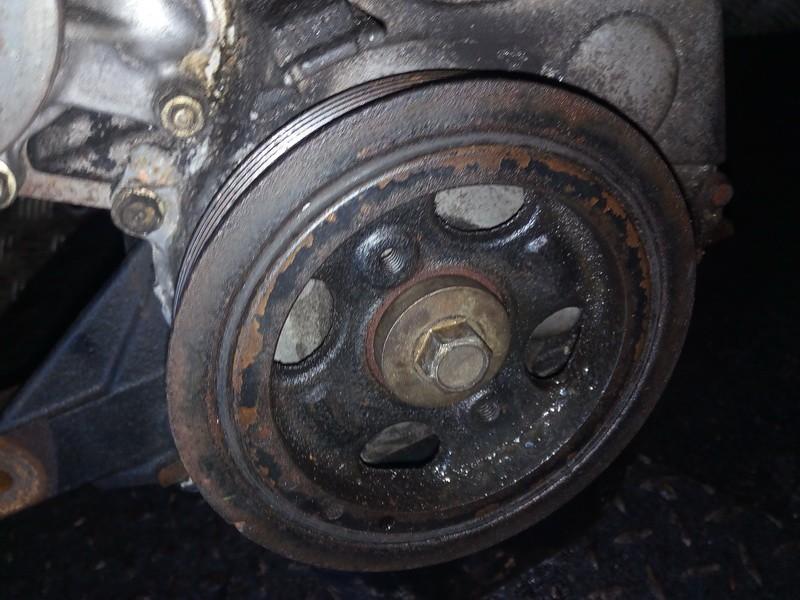Alkuninio veleno dantratis (skyvas - skriemulys) NENUSTATYTA NENUSTATYTA Toyota YARIS 2000 1.0